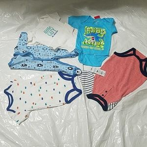 BRAND NEW BABY BOY 5 PACK ORIGINAL BODY SUITS